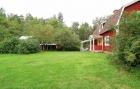 Podwórko obok domu w Szwecji